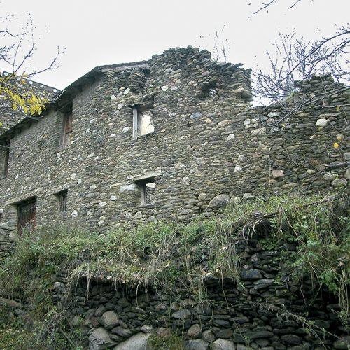 Antiga casa Cabalé. Avui enssorrada 2012 - 34/5000 Quizás quisiste decir: Casa Caballé. Hoy en ruinas 2012 - Casa Cabalé Today in ruins 2012
